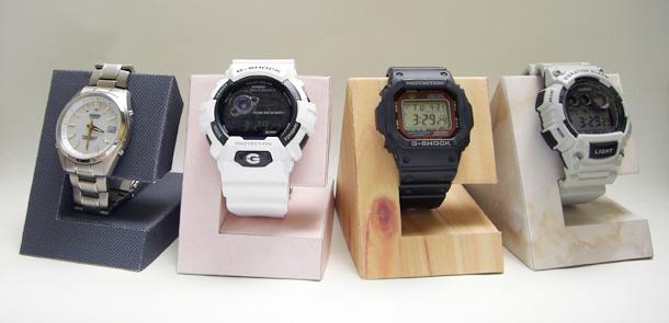 自作ペーパークラフトの腕時計スタンド
