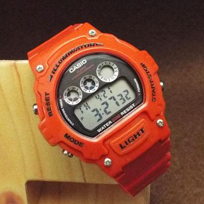 カシオ腕時計・チープカシオ「W-214HC-4A」