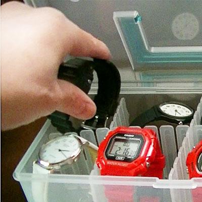 100円ショップで、腕時計の収納ケースを買ってきました!